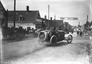 georges_boillot_at_the_1913_french_grand_prix_12
