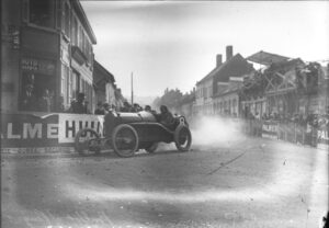 georges_boillot_at_the_1913_french_grand_prix_15